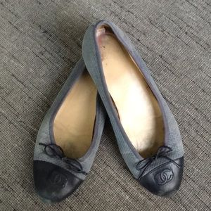 Authentic Chanel Cap toe ballet flat 40